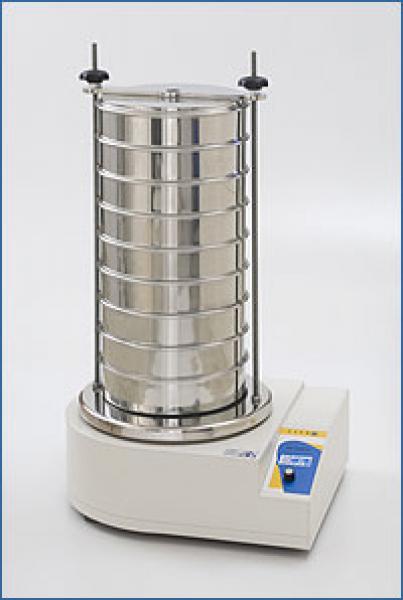 Labor-Analysensiebmaschine KTL - Die GKM Laborsiebmaschine Typ KTL 200 ist für die Analyse von trockenen, pulverförmigen und körnigen Produkten in allen Branchen einsetzbar. Nasssiebungen sind mit dieser Laborsiebmaschine auch möglich.
