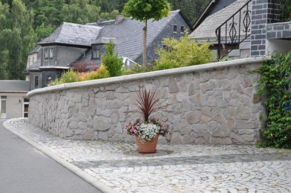 Granitwerk Fischer GmbH & Co. KG Heberndorf 79 - Henneberg 07343 Wurzbach
